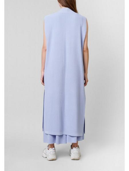 Long sleeveless fastenless cardigan