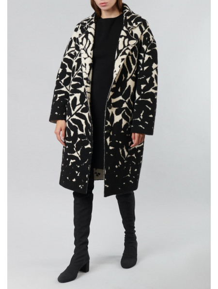 Knitted single-breasted coat